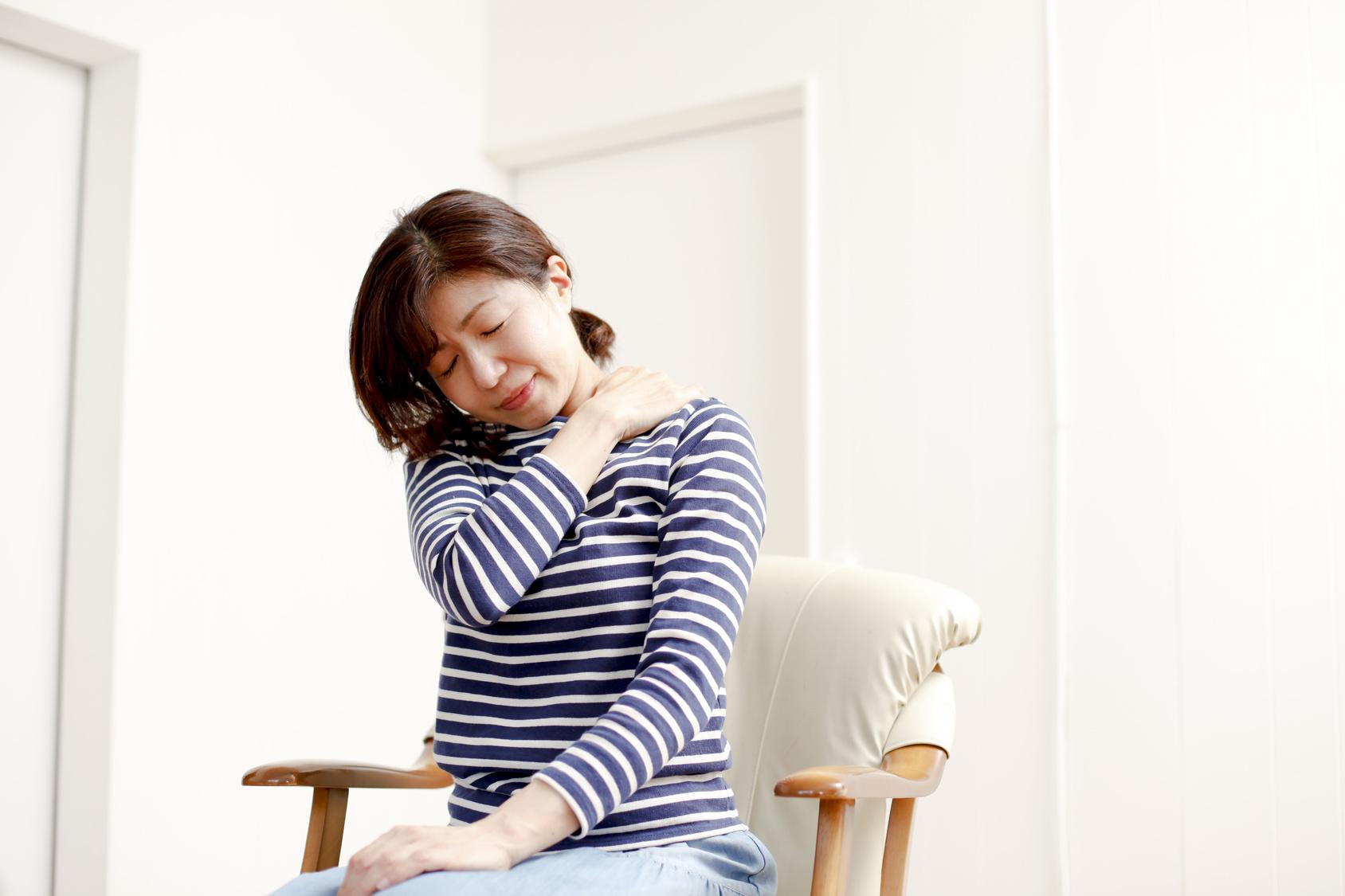 筋力の低下や姿勢の悪さも痛みの原因になります