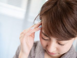 カフェインの過剰摂取も頭痛の原因になります