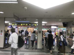阪急六甲改札口の画像